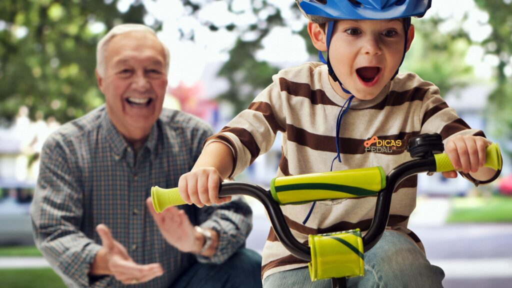 Como ensinar uma criança a andar de bicicleta